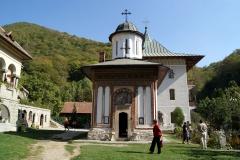 Pelerinaj la Manastirile din Valcea si Gorj